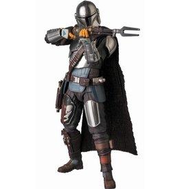 Medicom Toy Mafex No. 129 Beskar Armor Mandalorian Star Wars The Mandalorian Action Figure