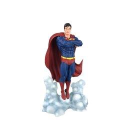 Diamond Select Toys DC Comics Gallery Superman (Ascendant) Figure