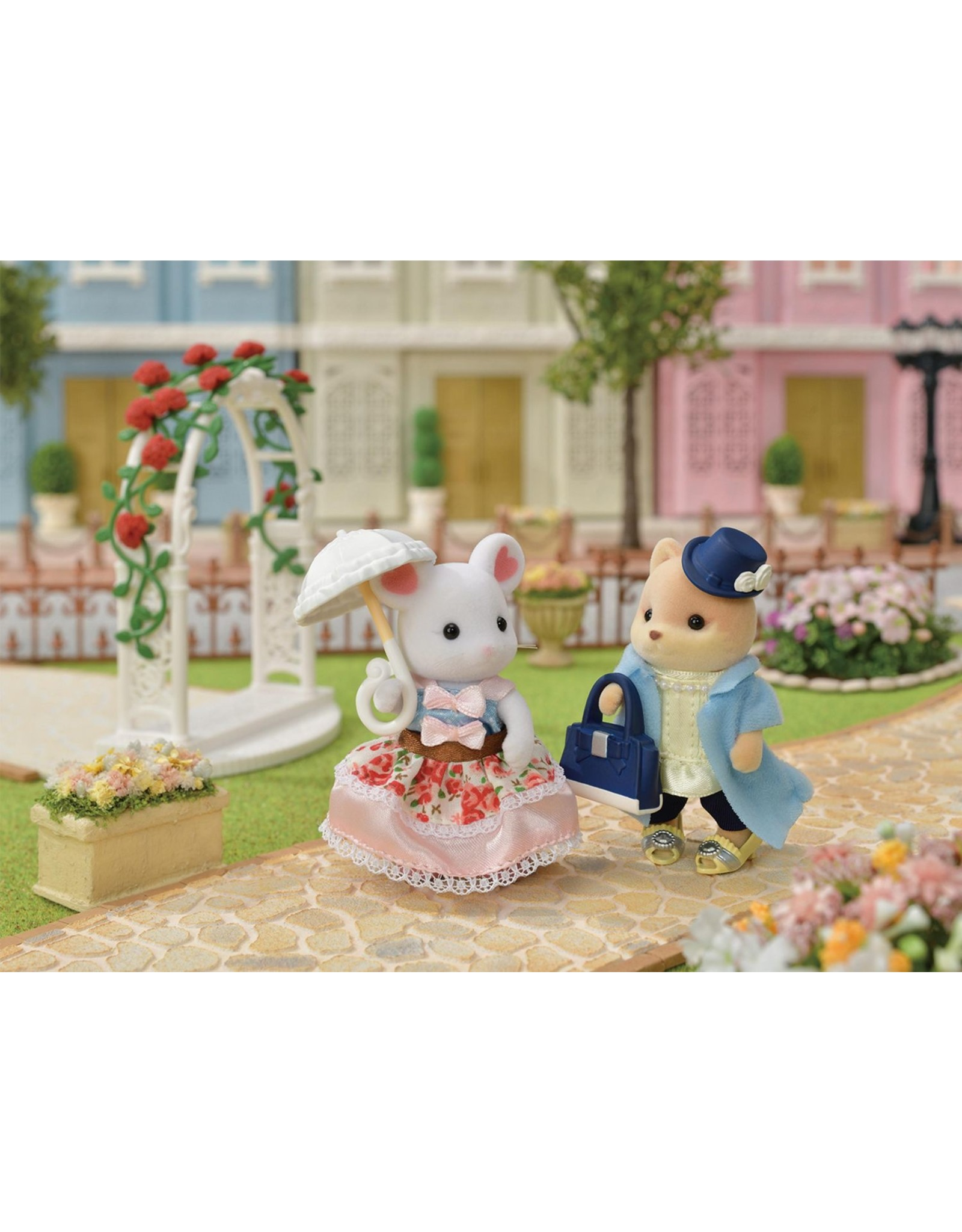 Calico Critters Calico Critters Marshmallow Mouse Fashion Playset, Sugar Sweet Set