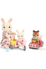 Calico Critters Calico Critters Apple & Jake Ride 'N PLay