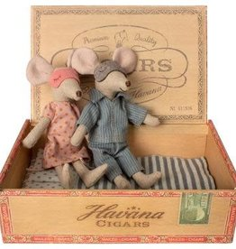 Maileg Mouse, Mum & Dad in Cigarbox