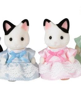 Epoch Everlasting Play Tuxedo Cat Family