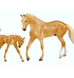 Breyer Classic palomino morgan horse and foal