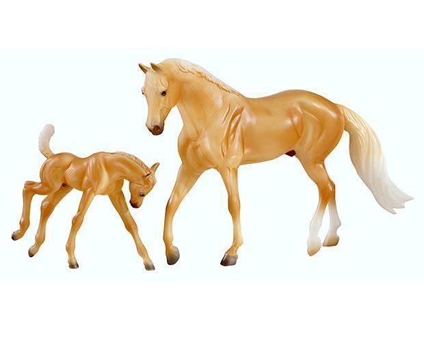 Breyer Classic palomino morgan horse and foal