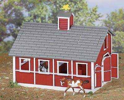 Breyer Breyer Stablemates Red Stable With 2 Horses