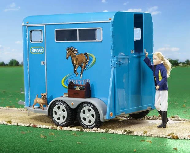 Breyer Breyer Traditional Series Tow-Horse Trailer