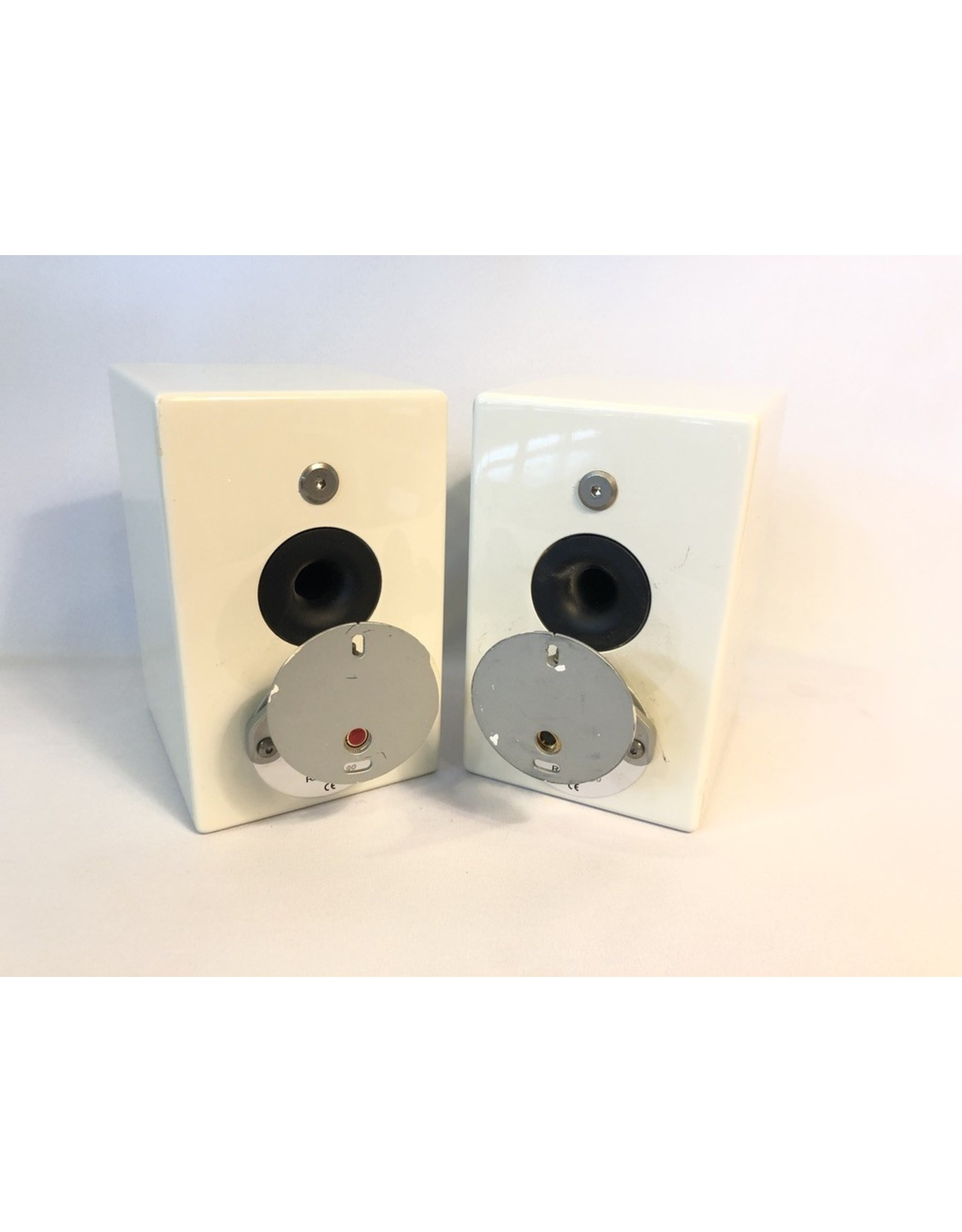 Monitor Audio Monitor Audio Radius 90 Bookshelf Speakers USED