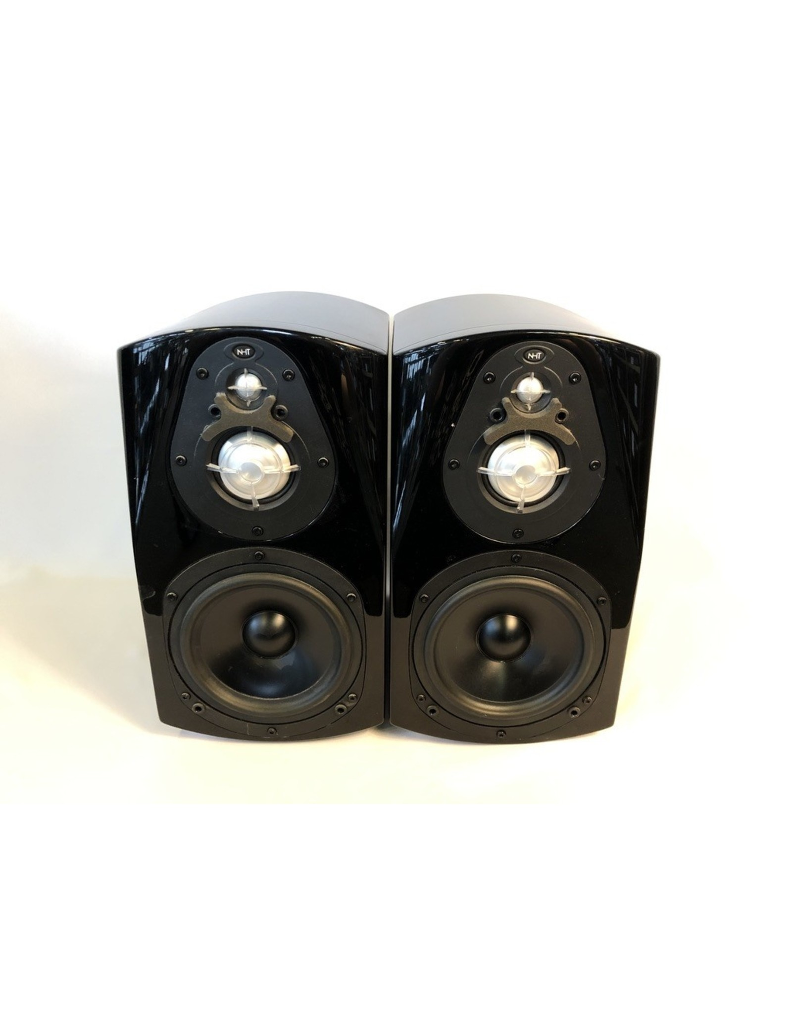 NHT NHT Classic 3 Bookshelf Speakers USED