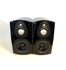 NHT NHT Classic 3 Bookshelf Speakers USED