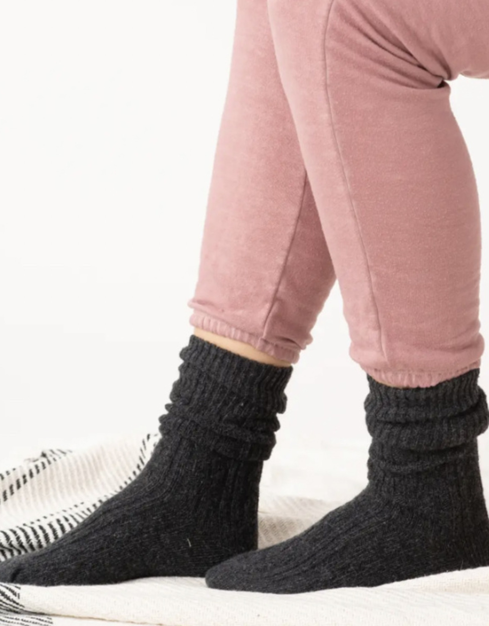 Essential Cable Knit Socks
