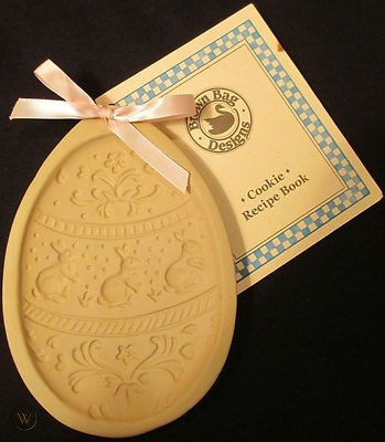 BUNNY EGG COOKIE MOLD-1