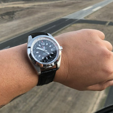 Aviator Watch Amelia in Runway Black