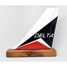 Delta Classic Logo Tail