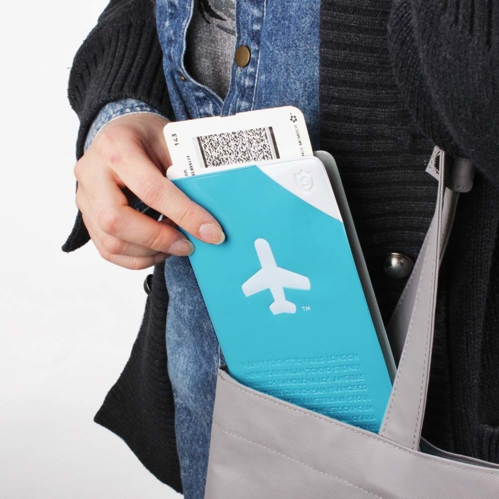 Shield Travel Organizer