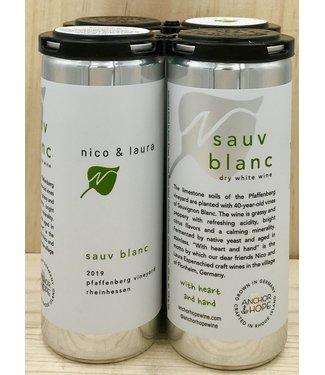 Nico & Laura Sauv Blanc 250ml can 4pk
