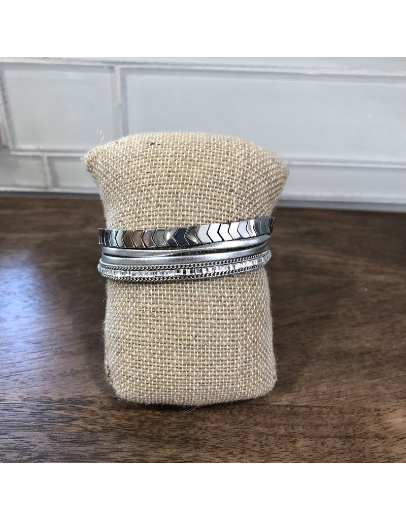 Silver Chevron Magnetic Bracelet MB94