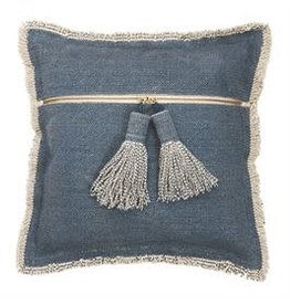 Shutting Tassel Pillow 41600281