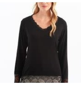 CHARLIE B Lace hem black top