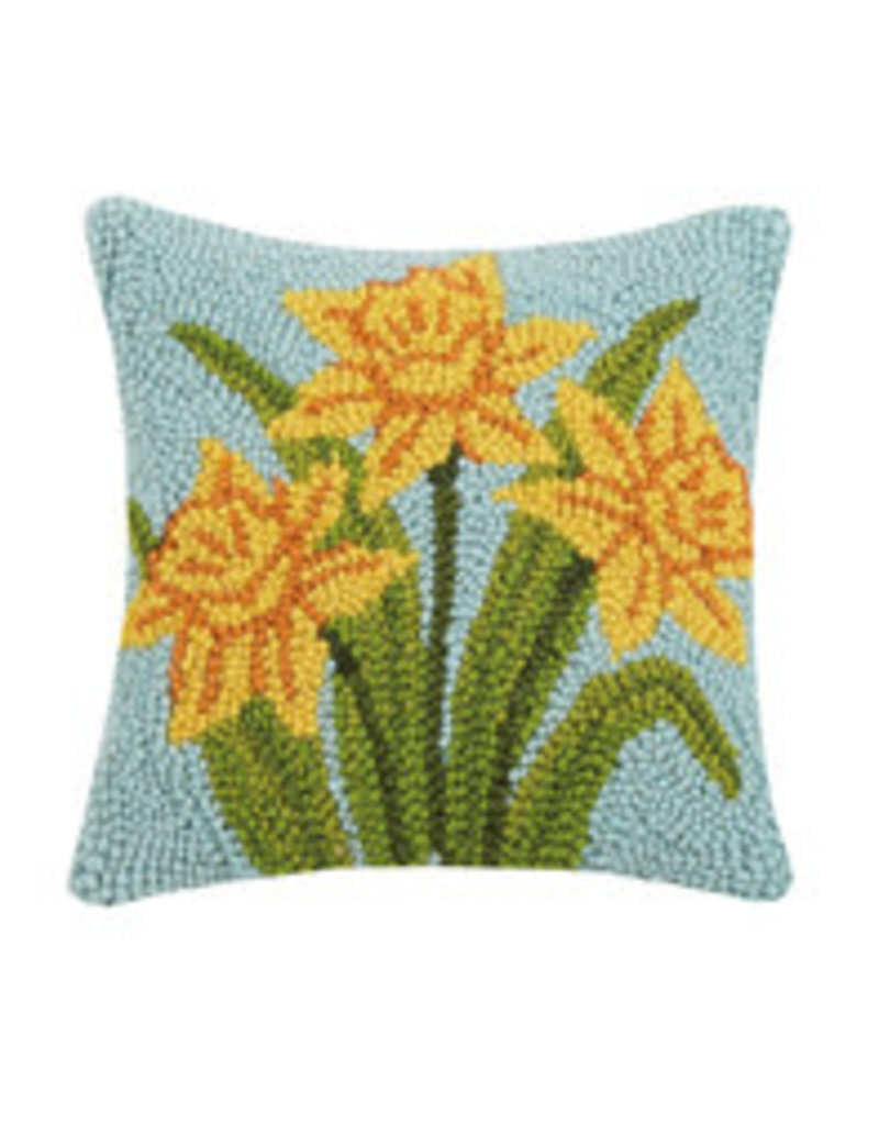 """Daffodil hooked pillow 10x10"""""""