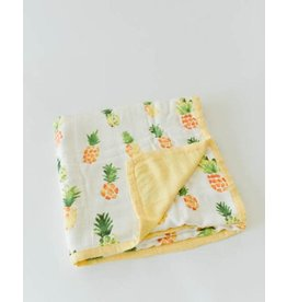Little Unicorn, LLC Deluxe Muslin Quilt, Pineapple