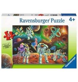 Ravensburger 35 pcs. Moon Landing Puzzle