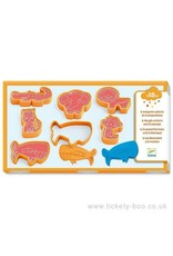 Djeco Modelling Clay, 6 Cookie Cutters, 6 Stamps, Wild Animals