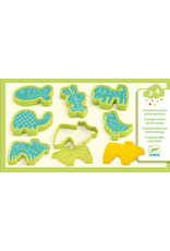 Djeco Modelling Clay, 6 Cookie Cutters, 6 Stamps, Pet Animals