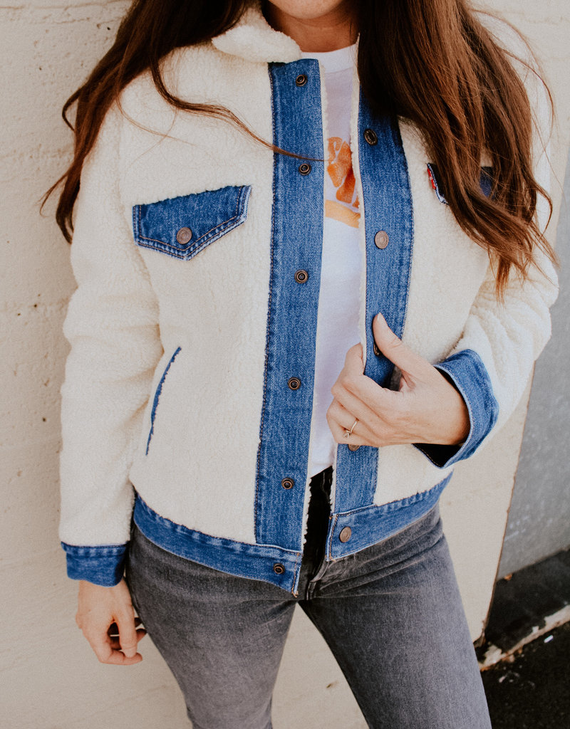 Levi Strauss & Co Ex-Boyfriend Trucker Jacket