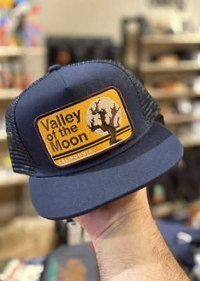 Venture Valley of the Moon Blue Townie Trucker