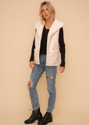 Hem & Thread Sherpa Vest with Pockets