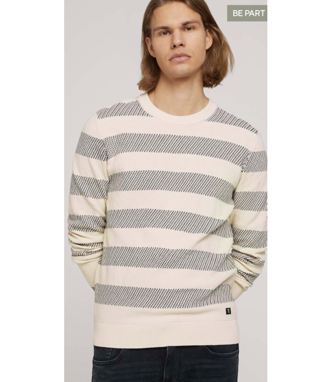Striped structured crewneck made with organic cotton