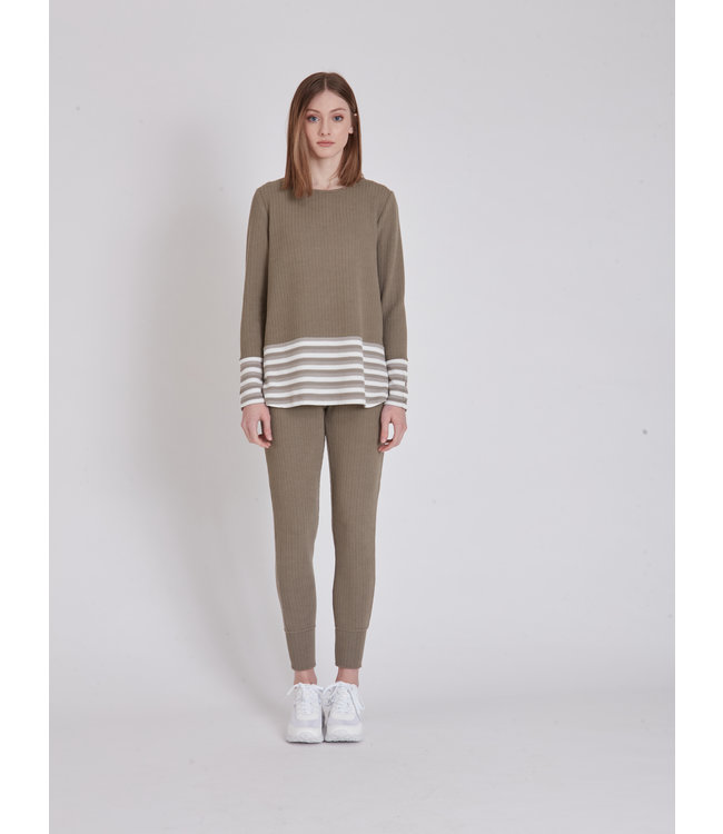 TEXTURED LS TOP WITH LARGE STRIP PLACEMENT