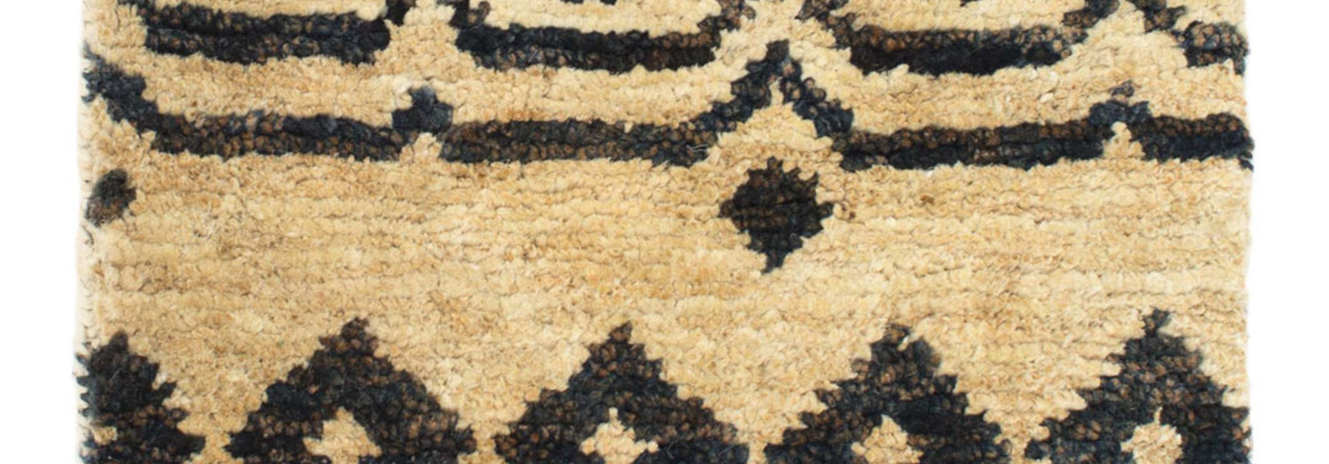 Taza Hand-Knotted Jute Rug