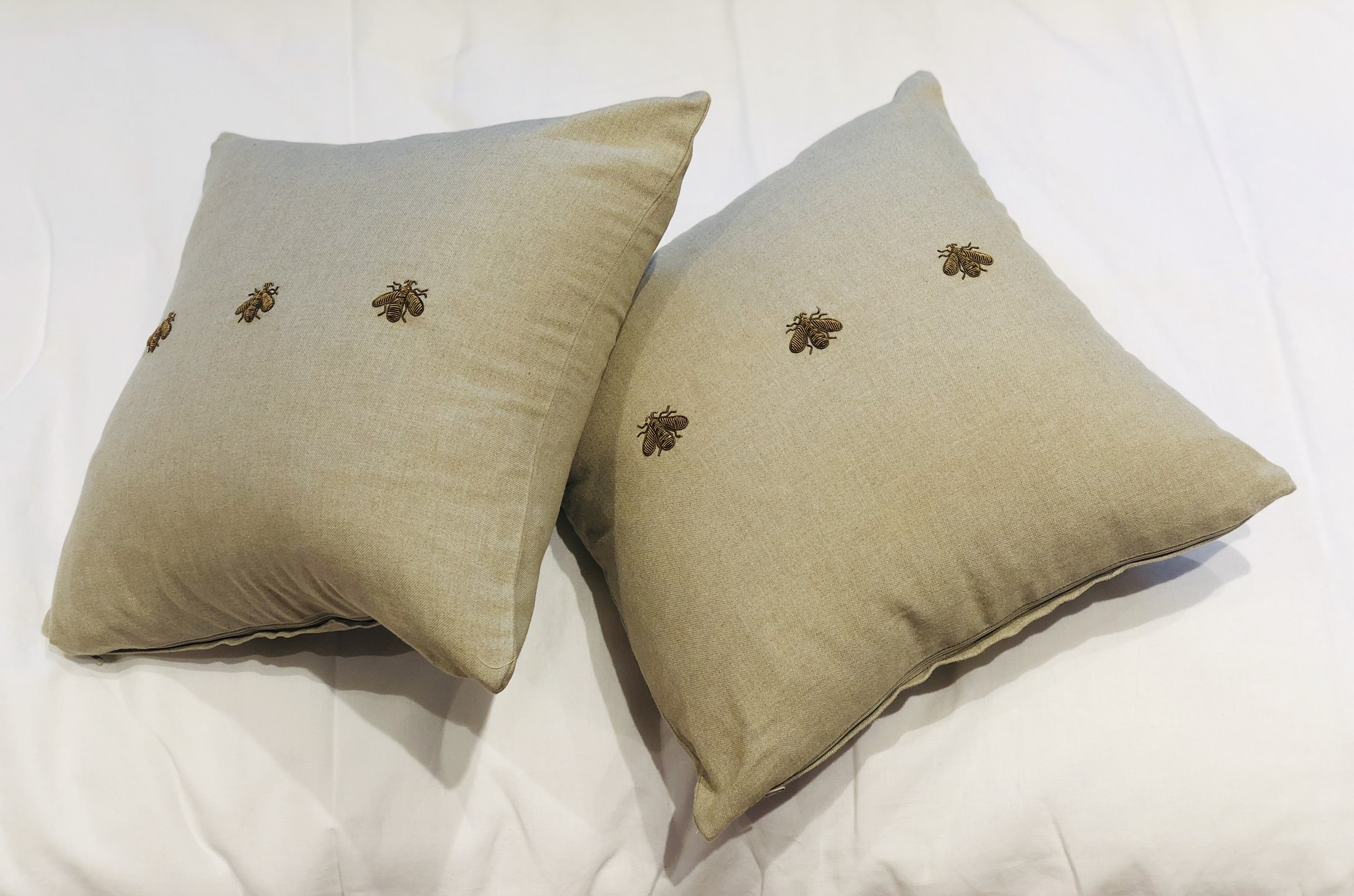 Cushion (Set of 2) - Bees - Natural-1