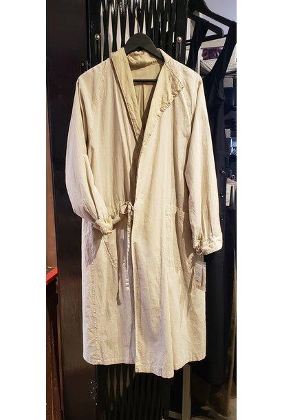 Coat (lined) - Beige - Sz 2. (Medium)