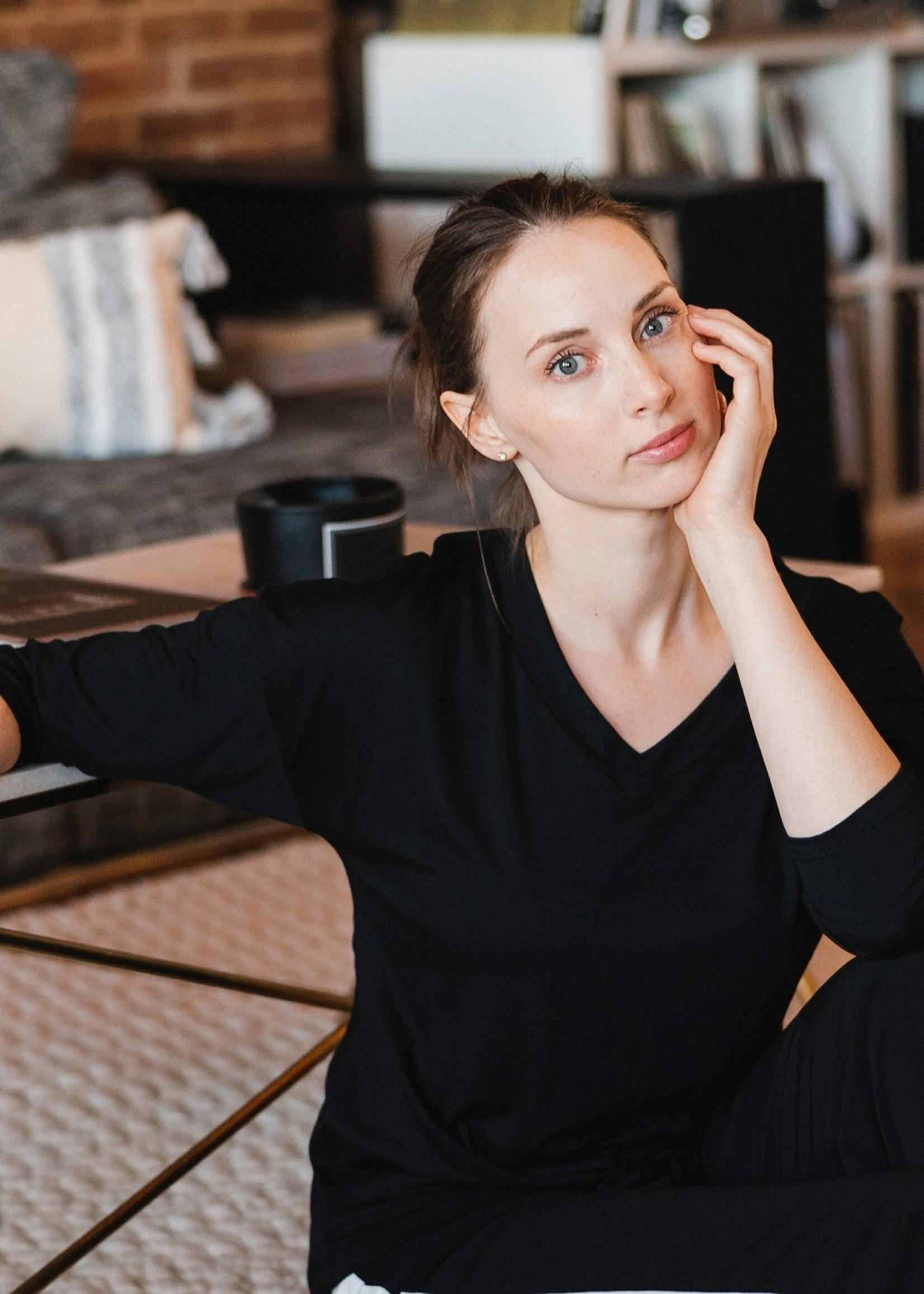 Arianne Marie V-Neck Long Sleeve