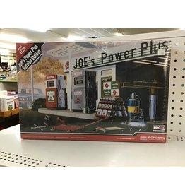 Academy Joe's Power Plus Service Station 1/24 Scale