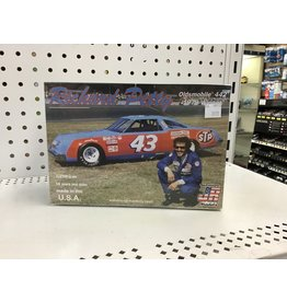 Salvinos JR Models Richard Petty Olds 442 1979 1/25 Scale