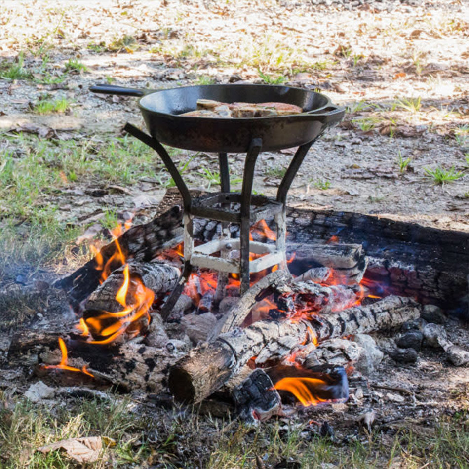 Lodge Lodge Cast Iron Fire & Cook Stand