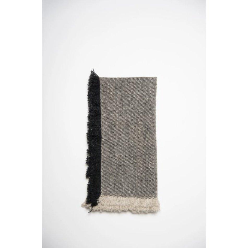 Linen Way Bilbao Linen Napkins with Fringes, Black/Natural, set of 4