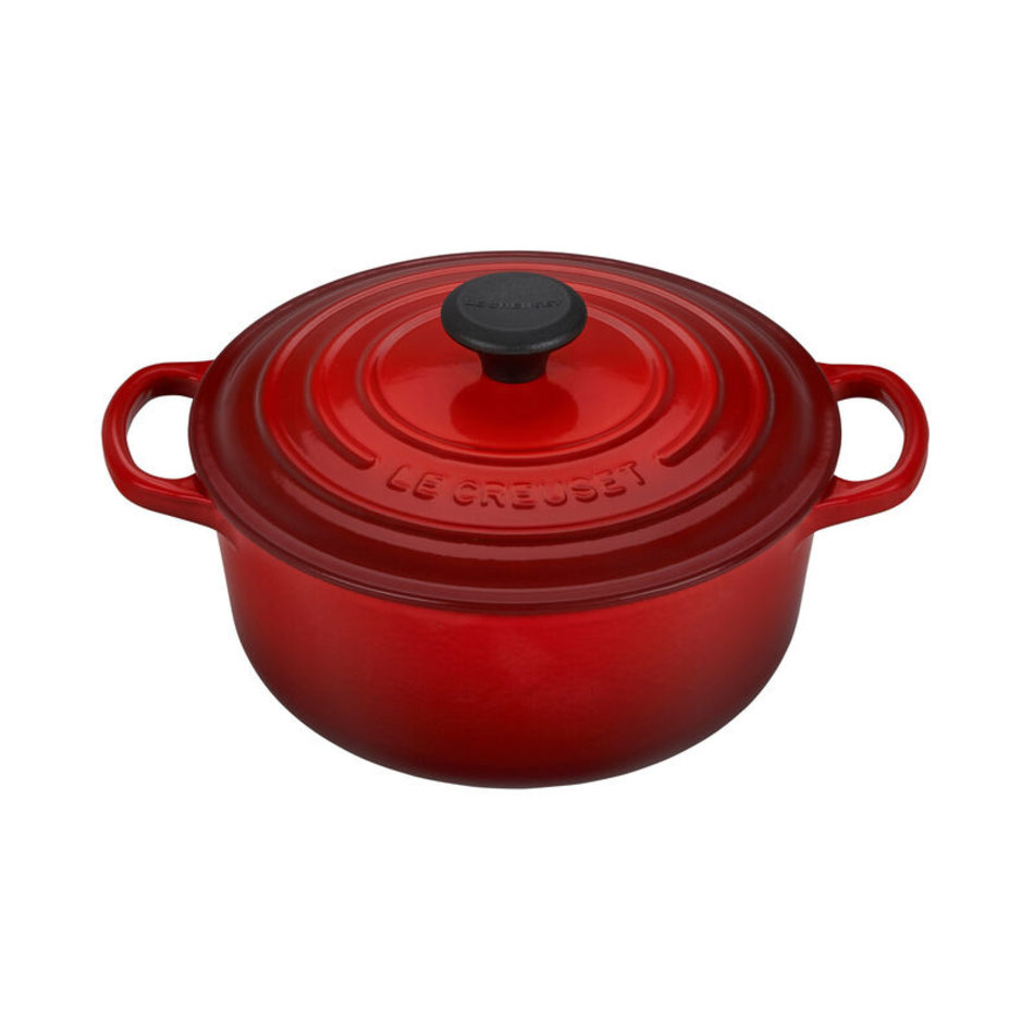 Le Creuset Le Creuset 2.4L Round French Oven Cherry