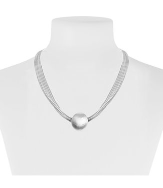 Silver necklace with bead