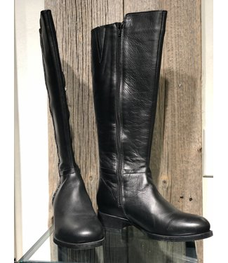 Bos&Co Knee high leather boots with studs