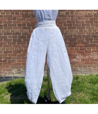 """M Made in Italy """"M"""" White Pants **"""
