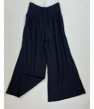 Mododoc Smocked Waist Cropped Pants - Black