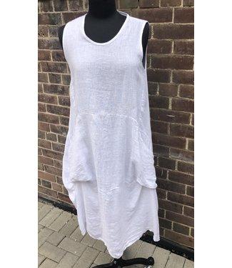 Angela Mara Sleeveless 2 Pocket Dress - White