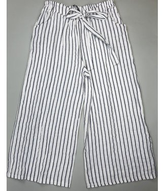 Angela Mara Drawstring Stripe Capri - White