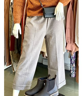 M Made in Italy Straight Crop Pant with Cuff - Taupe
