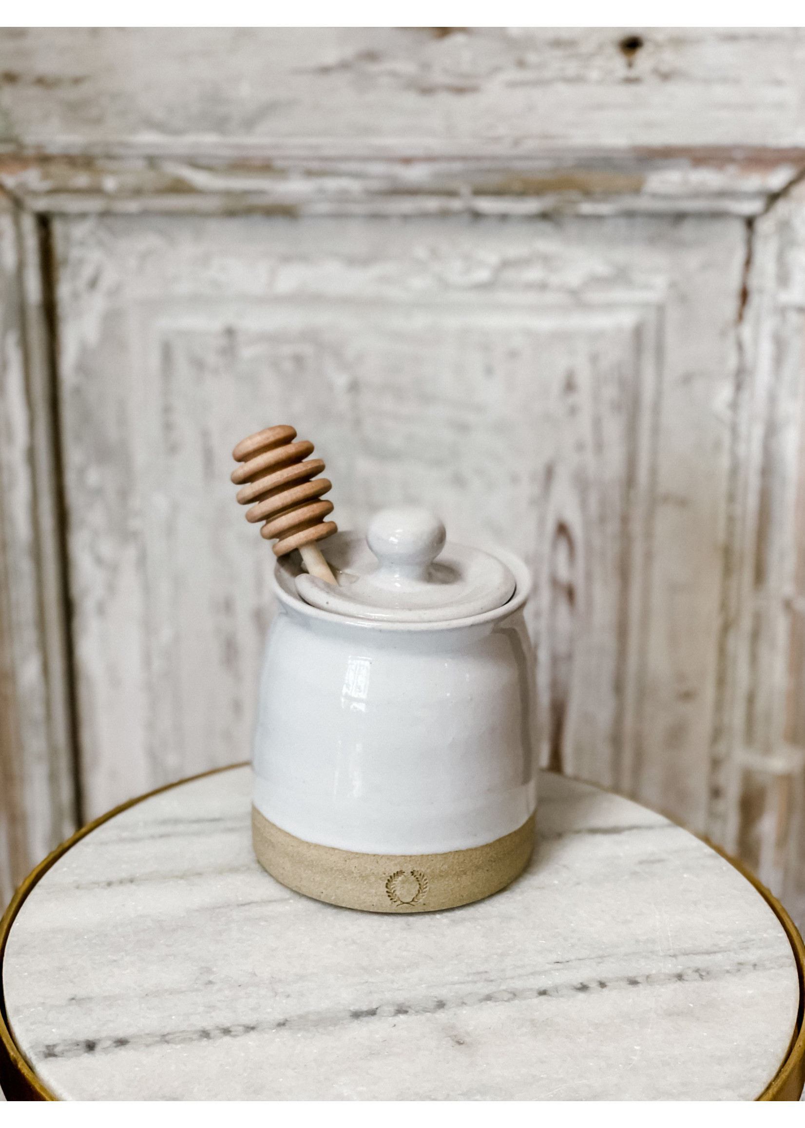 Farmhouse Pottery Beehive Honey Pot with Wooden Dipper