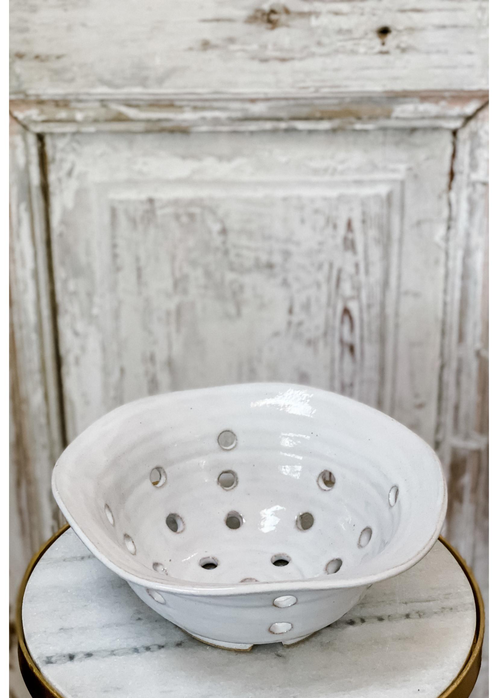 Farmhouse Pottery Windrow Berry Bowl